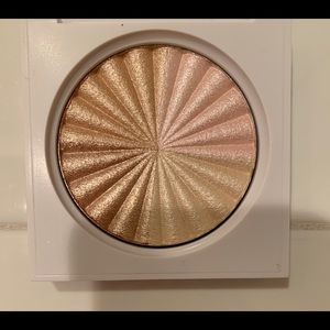 NWT ofra cosmetics all of the lights highlighter